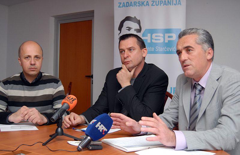 Photo of Dvorski i Šarić: Vrančiću, podnesite ostavku!