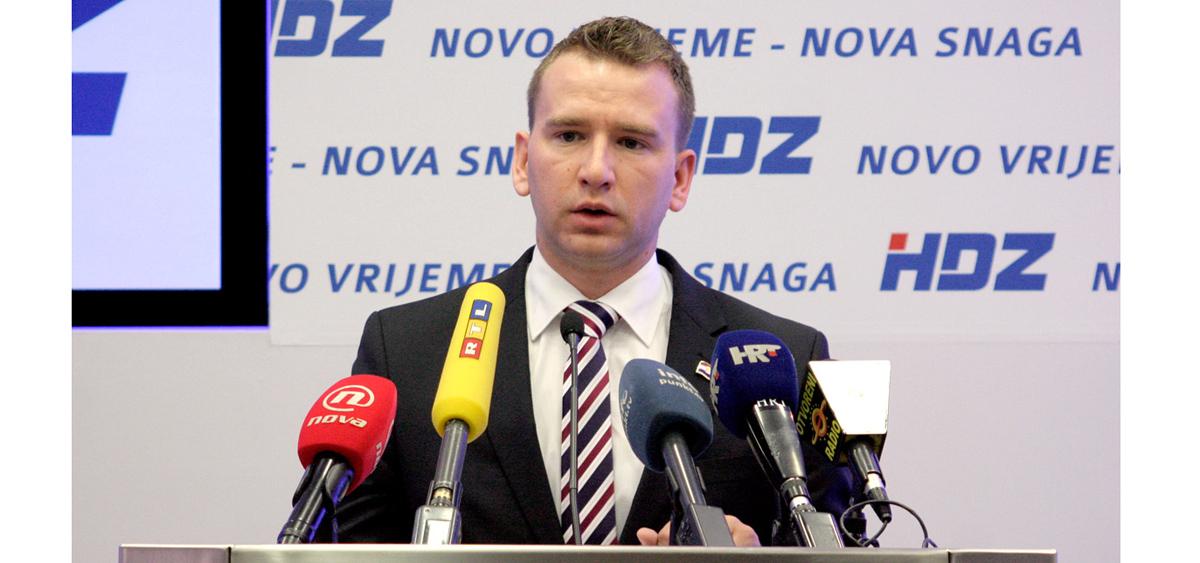 Photo of IZBOR ČITATELJICA Josip Bilaver trenutačno 4. najzgodniji mladi političar