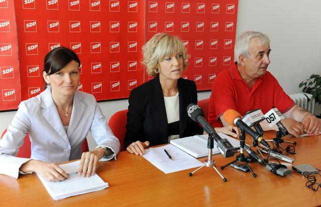 Photo of ANKETA: HDZ-u mandat manje, SDP-u jedan više. Izborni prag prošli bi i Živi Zid i MOST