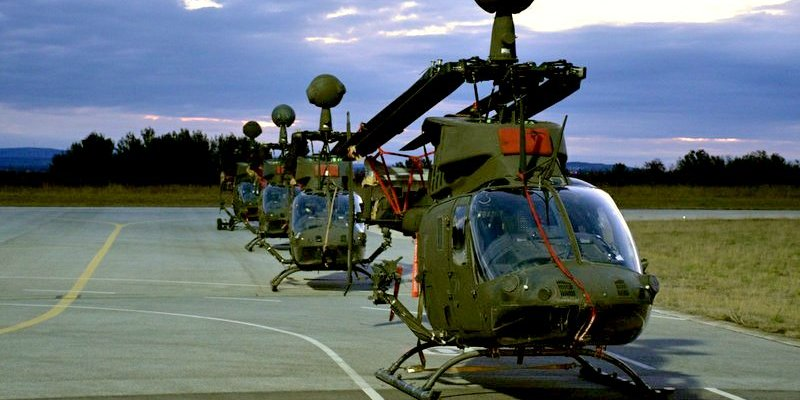 Photo of Na Zemuniku predstavljanje američkih borbenih helikoptera u sastavu HV