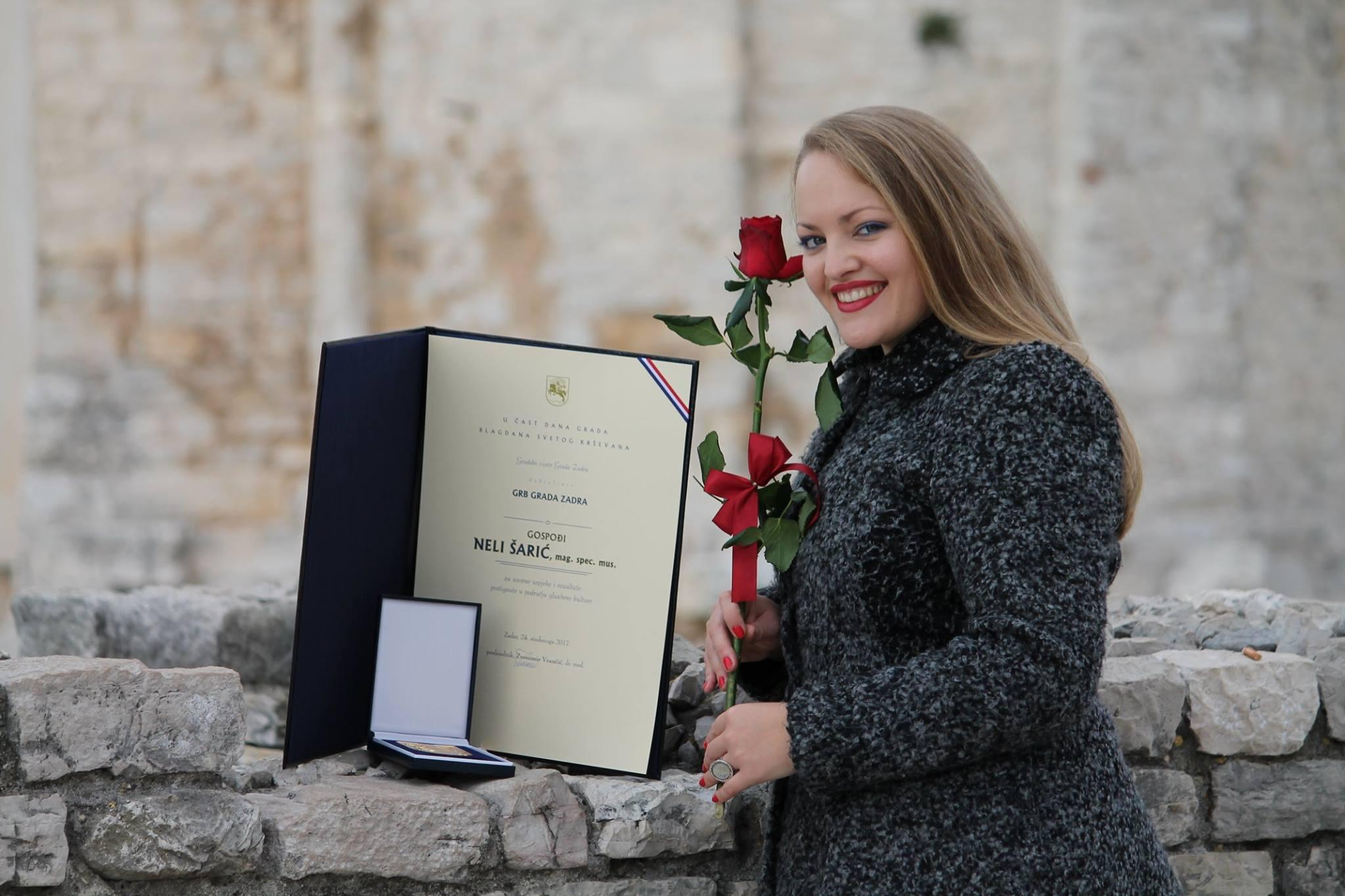 Photo of Nela Šarić dobila Grb Grada Zadra zbog uzornih uspjeha i postignutih rezultata u području glazbene kulture