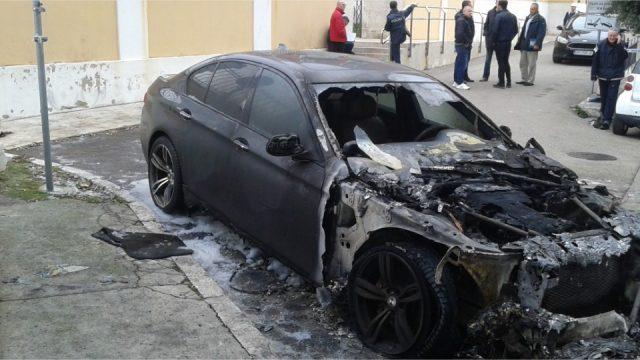 Photo of FOTOGALERIJA – Noćas je u Zadru zapaljen BMW Frane Brkića