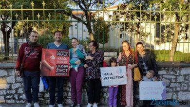 Photo of Zadrani će narednih 40 dana ispred bolnice moliti protiv pobačaja