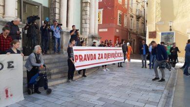 Photo of PRAVDA ZA DJEVOJČICE – Nekoliko stotina ljudi prosvjedovalo je danas i u Zadru