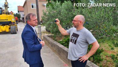 Photo of VIDEO – Dukić od novinara pobjegao na stražnja vrata, međutim, njegovi su nam ubrzo dojavili gdje se nalazi, pa smo ga zbunjenog dočekali na jednom gradilištu